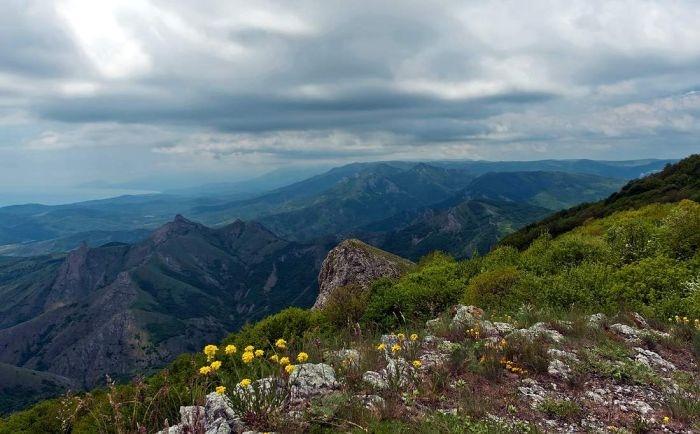 В Крымских горах спасли заблудившегося белоруса