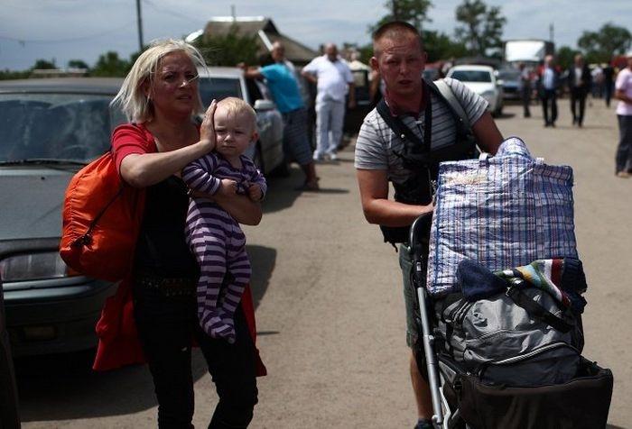 Беженцы с юго-востока Украины получили в Севастополе помощи на 2 млн долларов
