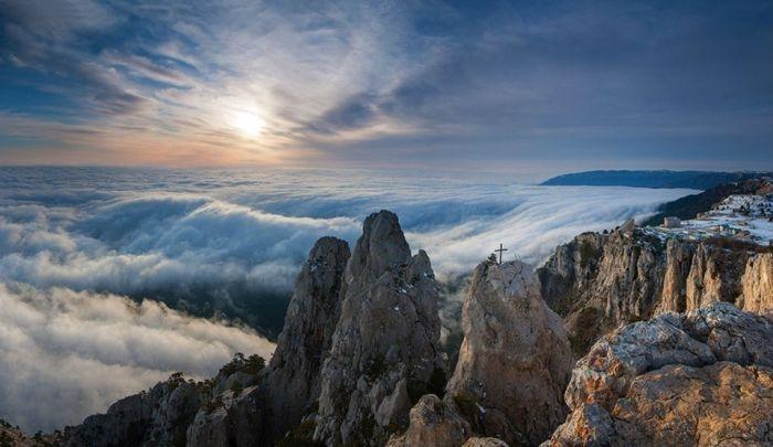 В Крымских горах спасли пару из Москвы