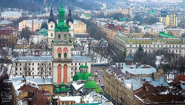 В центре Львова устроили драку из-за российской музыки
