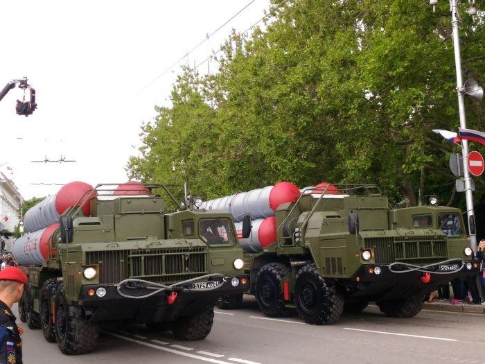 В Севастополе прошёл Парад военной техники