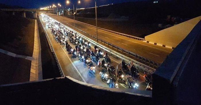 По Крымскому мосту за первые сутки проехали более 20 тысяч транспортных средств