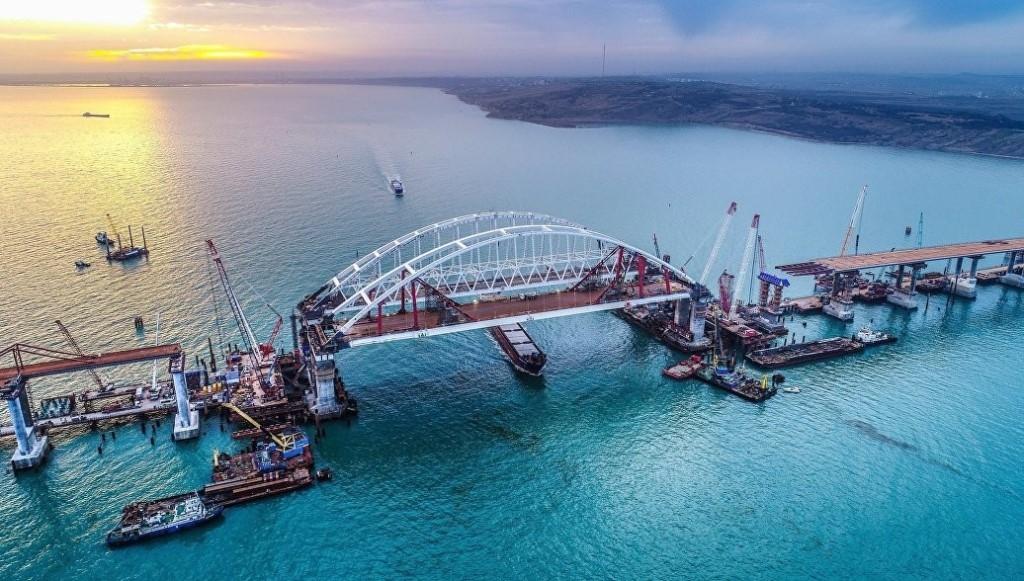 «Мост настоящий»: украинец проинспектировал Крымский мост и новый терминал аэропорта «Симферополь»