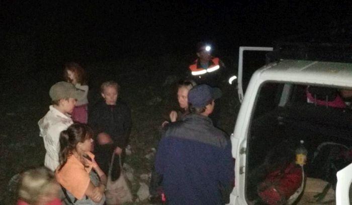 Сотрудники севастопольского ЦГЗ ночью спасли группу туристов
