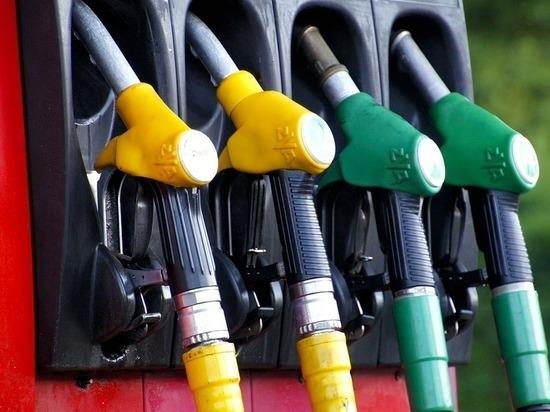Нефтяные компании пообещали Козаку, что бензин не будет дорожать