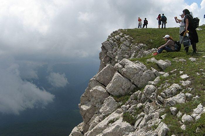 На майские праздники в Крымских горах заблудились 11 человек