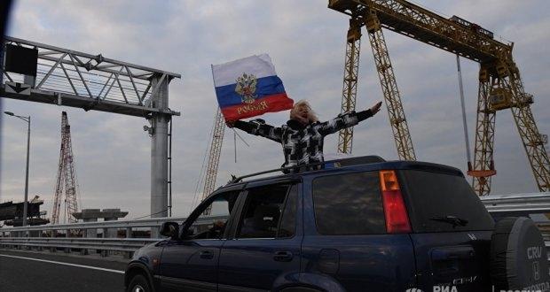 Крымский мост за 13 минут: дорога туда и обратно в ускоренной съемке