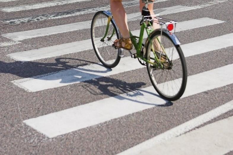 В Крыму на пешеходном переходе сбили подростка на велосипеде