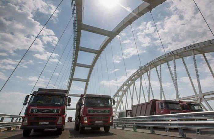 Сроки окончания работ по мосту в Крыму перенесли на год