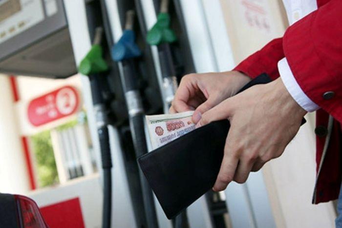 В Крыму снова выросли цены на бензин