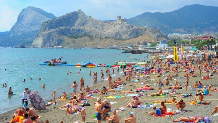 В Крыму уже отдохнули полтора миллиона туристов