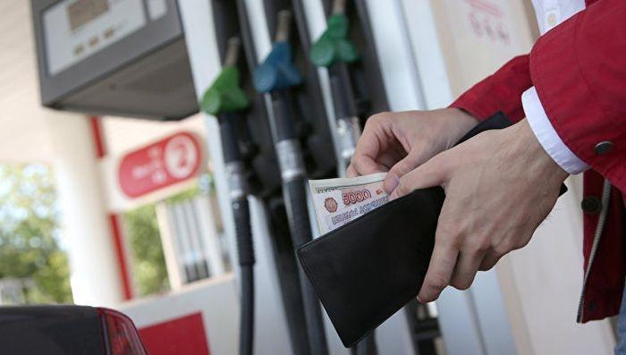 Канадский опыт: крымчане нашли способ бороться с высокими ценами на бензин