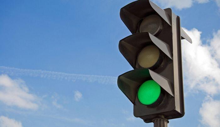 «Простоял почти 12 минут»: у светофора возле «Океана» в Севастополе изменена схема пофазной работы