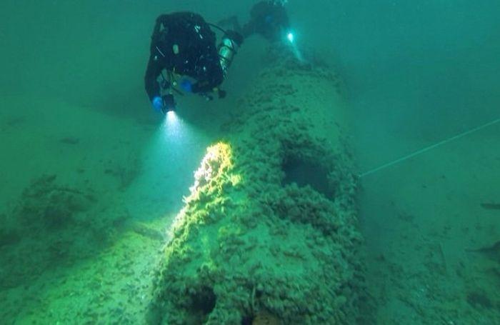 В Крыму со дна моря поднимут немецкий истребитель с 44-метровой глубины