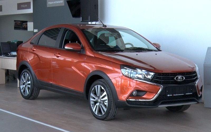Седан с внедорожным задором: в компании «Гала-моторс» прошла презентация новой Lada Vesta SE Cross