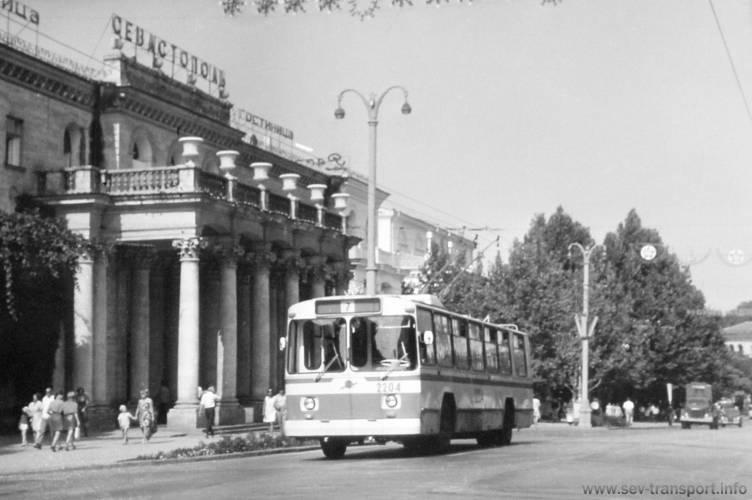 В Севастополе выпустили архитектурно-историческую карту-путеводитель по центру города