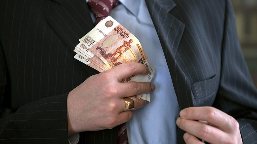 Силовики задержали крупного севастопольского чиновника при получении взятки