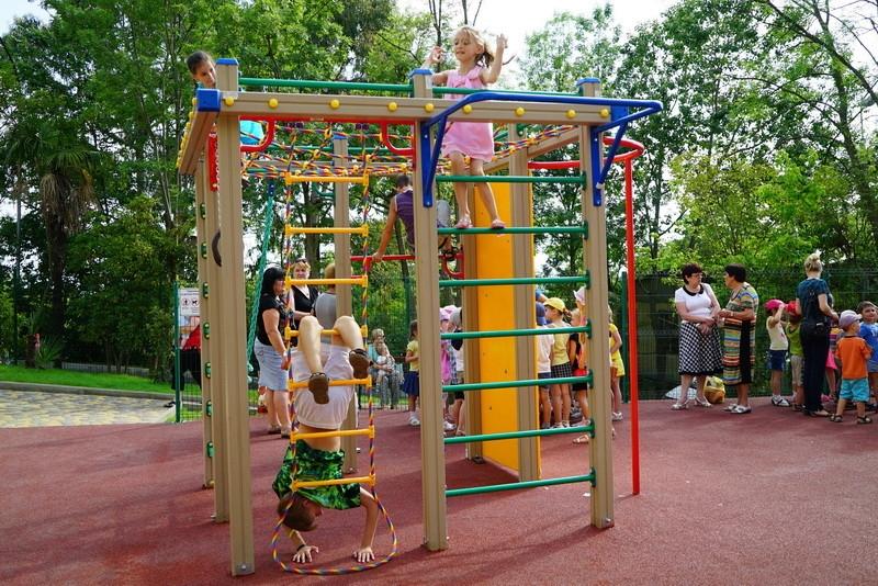 В этом году в Севастополе установят 130 детских площадок