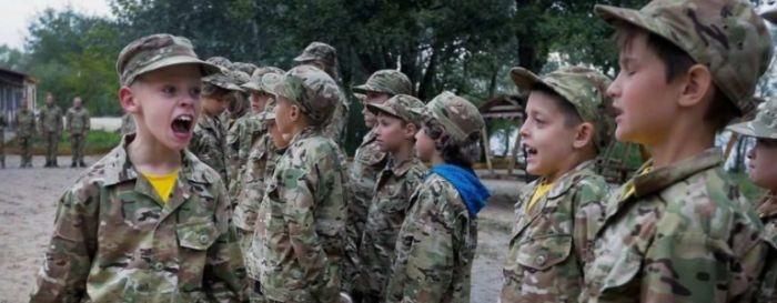 На Украине для войны с Россией готовят детей-диверсантов
