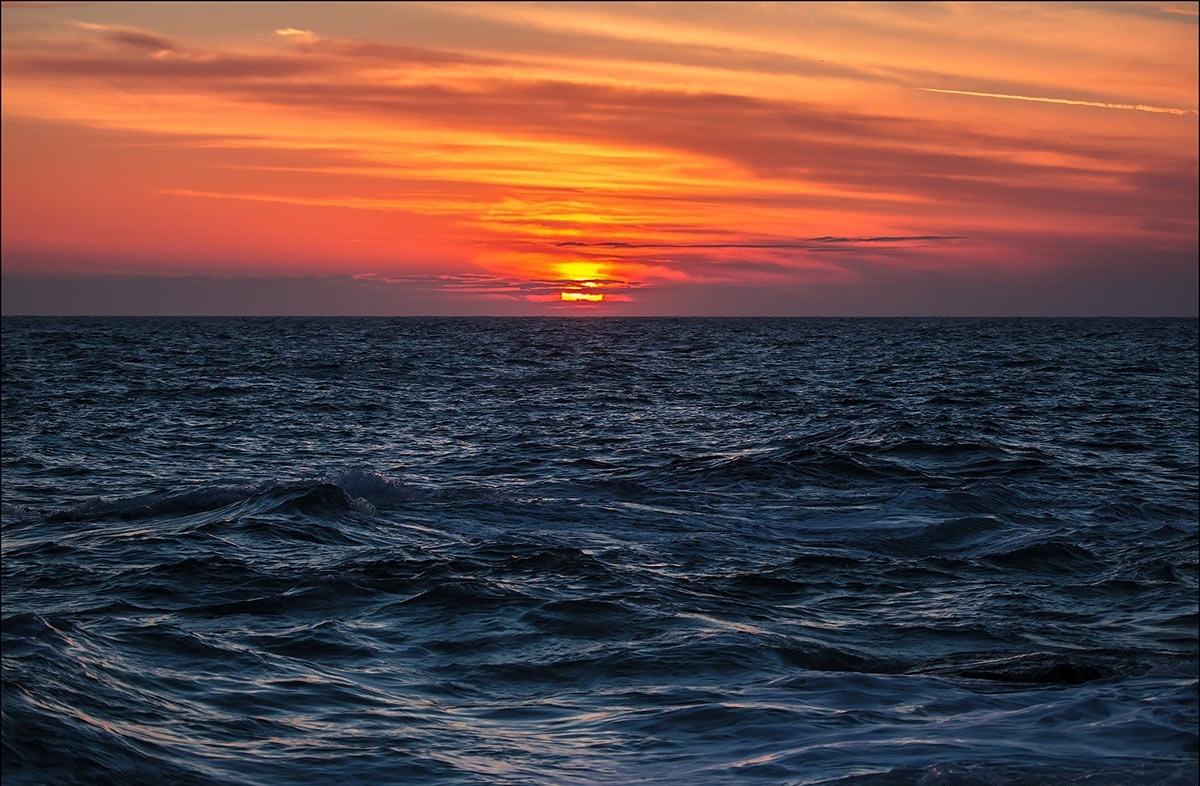 Севастополец решил вплавь преодолеть Черное море