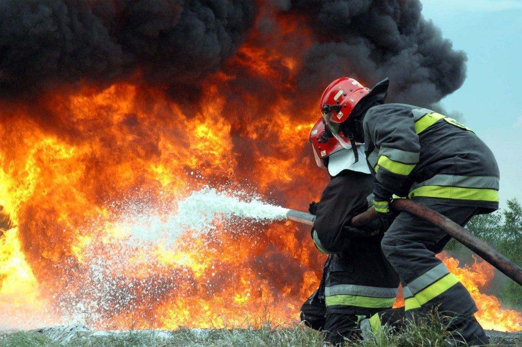 В Крыму на пожаре спасён мужчина