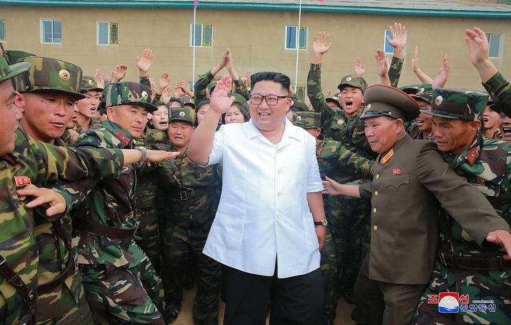 Ким Чен Ын прибыл в корейскую воинскую часть на автомобиле Lada Priora
