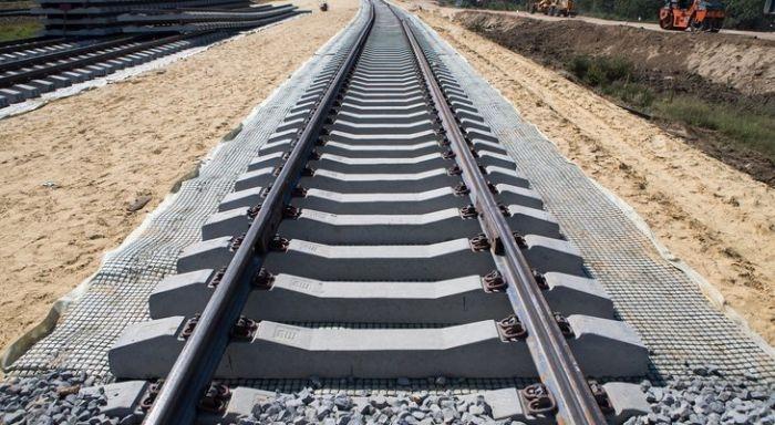 Железная дорога в Крым будет готова следующей осенью – министр транспорта