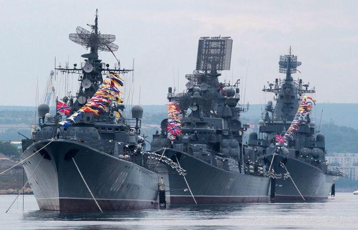 Минералка за 1000 рублей: сколько стоит просмотр парада в заведениях Севастополя