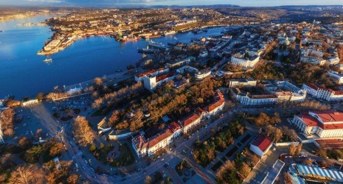 Губернатор Севастополя  поручил сделать уборку города перед приездом Дмитрия Медведева