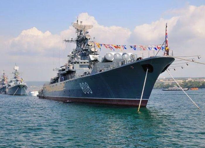 Чешская делегация приехала в Севастополь увидеть военно-морской парад в честь Дня ВМФ