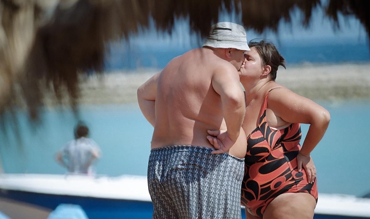 Толстые мужики целуются, порно дает и берет всегда и везде