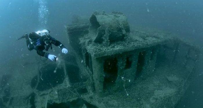 На затонувшем у берегов Крыма корабле поищут оружие для севастопольского музея