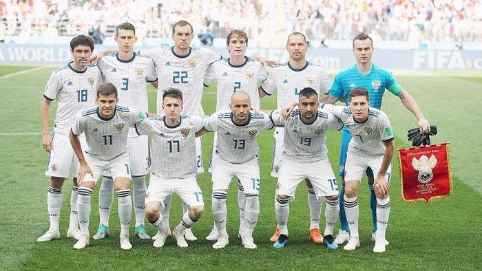 «Мы вас очень любим и ценим»: сборная Россия по футболу обратилась к болельщикам перед матчем с хорватами