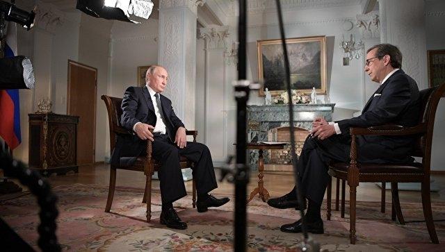 Ведущий Fox News поехал в отпуск в Россию после интервью с Путиным