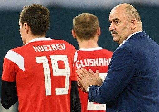 В Госдуме решили наградить Черчесова и футболистов сборной России грамотами