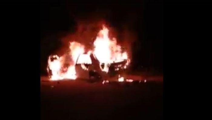 В Крыму для развлечения сожгли иномарку