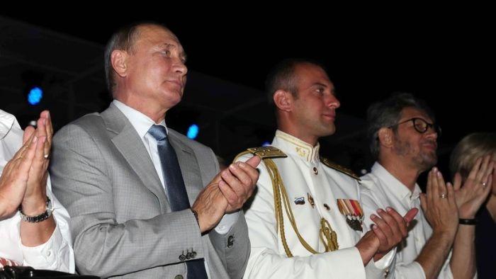 МИД Украины выразил протест из-за поездки Путина в Севастополь