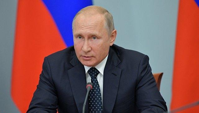 Путин предложил не повышать пенсионный возраст для женщин на восемь лет