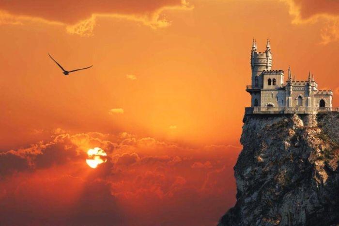 Возле замка «Ласточкино гнездо» пройдет традиционный летний бал