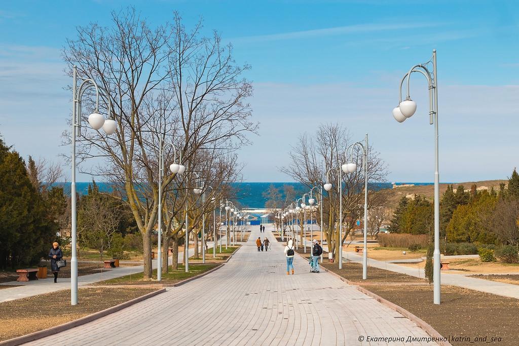 Недоступная среда: в новом севастопольском парке забыли об инвалидах