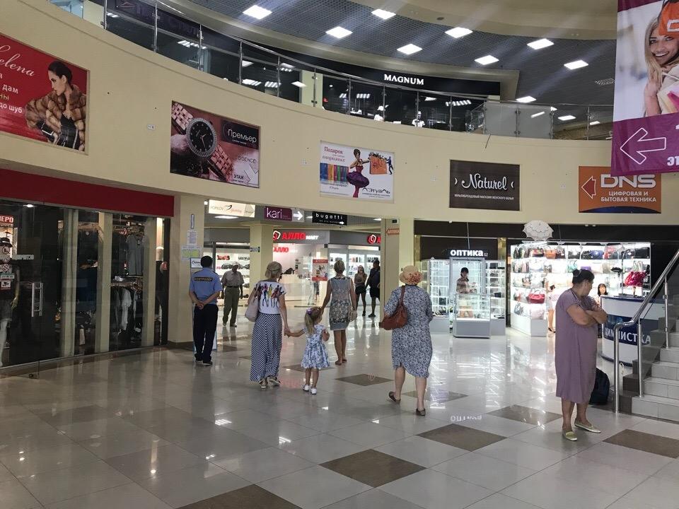 В Севастополе открылся ТЦ SeaMall