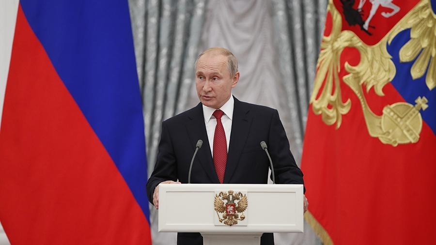 Владимир Путин подписал закон о повышении НДС