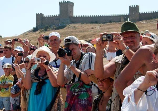 Сколько туристов посетило Крым с начала года