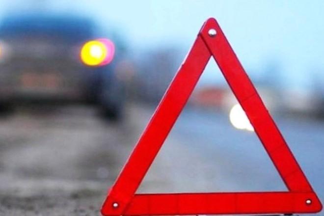 В Крыму внедорожник опрокинулся в кювет: есть пострадавшие