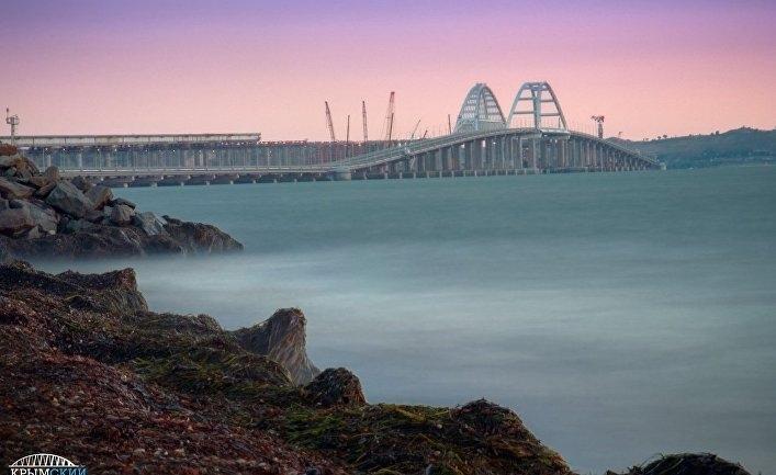Дорогу к автоподходам к Крымскому мосту сделают платной