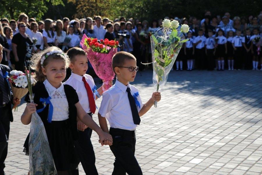 Дмитрий Овсянников поздравил севастопольцев с Днем знаний