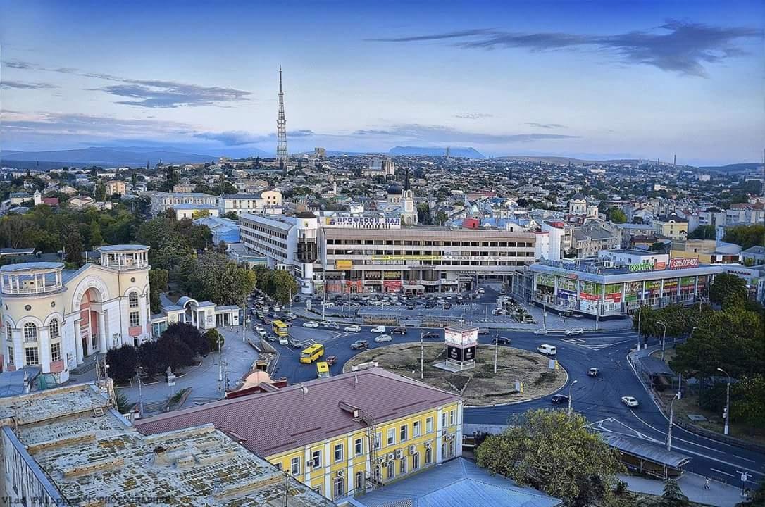 В Симферополе закрыли еще один торговый центр