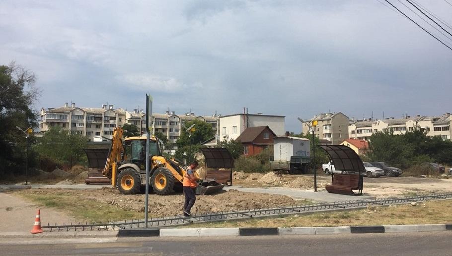 В Севастополе продолжается благоустройство сквера на улице Пожарова