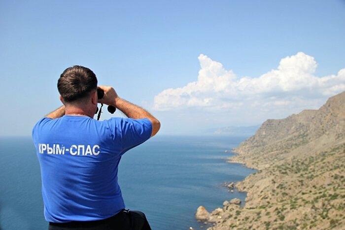 Ночью в Крыму со скалы сорвалась девушка