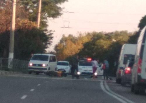 На пешеходном переходе в Севастополе мопедист сбил человека